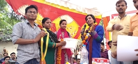Singer Neeraj Tiwari brings smile on the face of Handicap  children