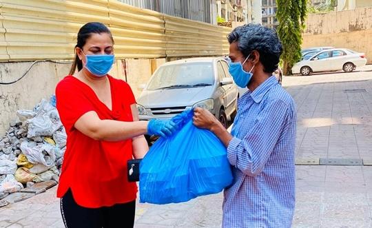 POLITICIAN  AND SOCIAL WORKER GURPREET KAUR CHADHA'S CORONA KINDNESS
